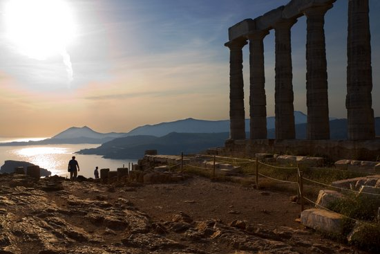 Athene_sounion-tempel-poseidon-sounio