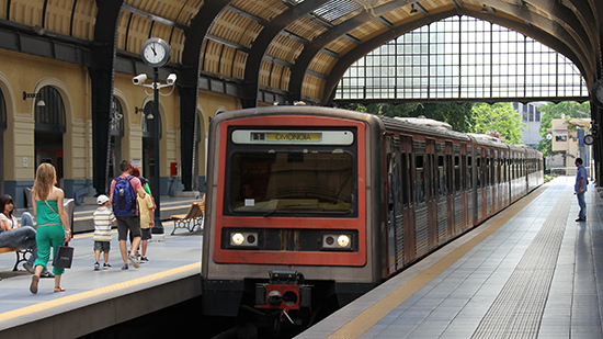 Athene_train,_Athens,_Greece.jpg